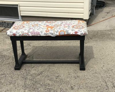 Project piano bench