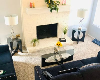 Private room with shared bathroom - Carrollton , TX 75007