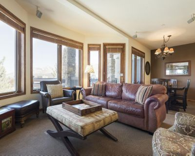 Charming Townhome with Ski in/Ski out access above Eagle Lodge - Mammoth Lakes