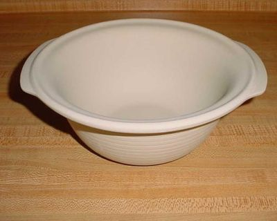 Barely Used Pampered Chef Stoneware 9 Mini Baking Bowl. Perfect For Casseroles, Hot Dishes, Pastas, Cheesy Potatoes, Scalloped Potatoes...