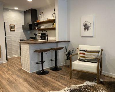 Beautiful Brand-New Interior - Daphne