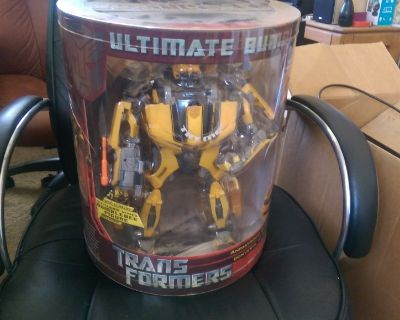 Transformers Ultimate Bumblebee-- Unopened New!!