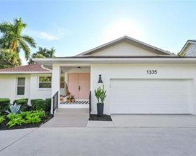 1335 Sandpiper St, Naples, FL 34102 2 Bedroom House