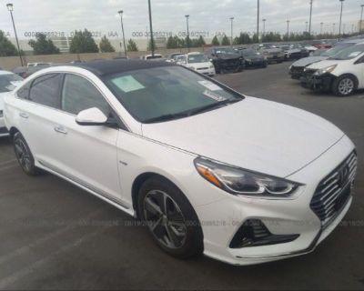 Salvage White 2018 Hyundai Sonata Hybrid