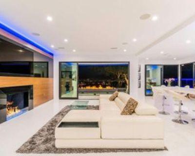 Bonnie Hill Dr, Los Angeles, CA 90068 4 Bedroom Apartment