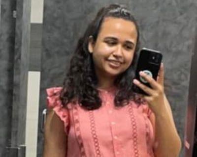 Fatima, 25 years, Female - Looking in: Washington DC