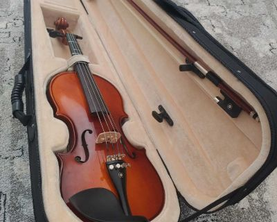 Youth violin. 1/4 size.