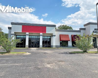 5,000 SF Prime Retail Space on Airport Blvd!