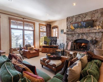 Amazing house with 5 bed in Avon