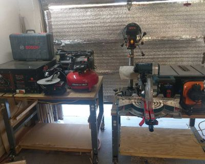 9 woodworking power tools and 2 workbenchs