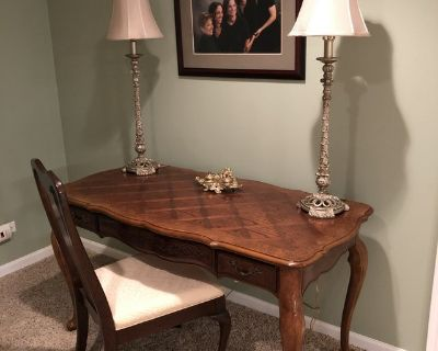 WOOD TABLE / DESK + CHAIR & 2 LAMPS - EXCELLENT CONDITION