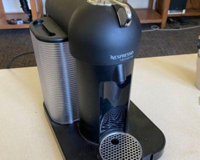 Espresso Machine (like new)- Nespresso Vertuoline