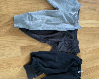 3 pairs of joggers