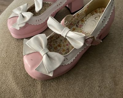 Baby doll shoes size 6/7