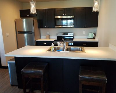 NEW home with wifi, washer/dryer, kuerig/coffee 5 minutes from everything! - Bozeman
