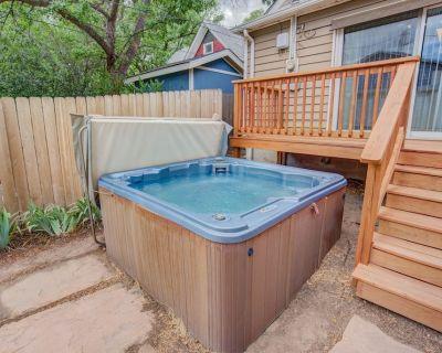3BR Hot-tub & Dog-Friendly Old Colorado City!! - Old Colorado City