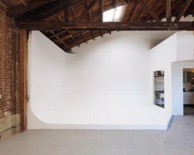 STUDIO + CYC + PARKING + GROUND FLOOR LOAD-IN + ARTS DISTRICT, Los Angeles, CA