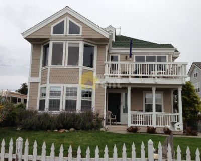 4 bedroom house with garage near downtown Cayucos