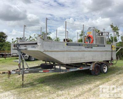 20 ft Boat w/ 1996 Triad Trailer