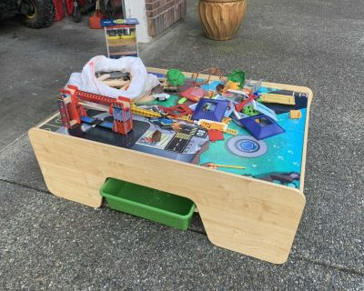 KidCraft Train/horse play table w/accessories