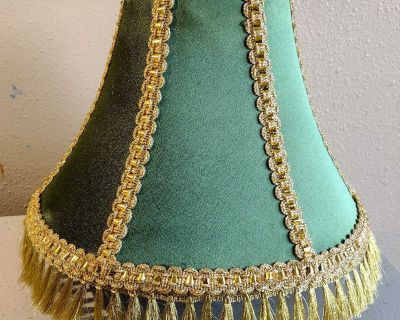 Nicely handcrafted lampshade.