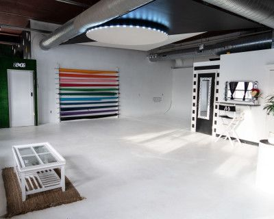 Large Photo and Video Studio Downtown with Parking, seamless paper, lighting and creative sets designs, Atlanta, GA