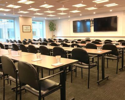 100-Person Meeting Room