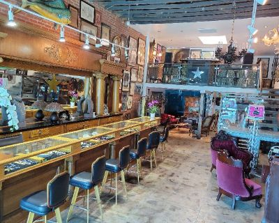Parlour Estate Sales - New Arrivals of Vintage Jewelry, Art and LOTS more this Sept 25-26th