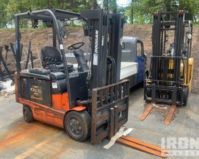 2013 (unverified) Doosan BC30S-5 5400 lb Electric Forklift