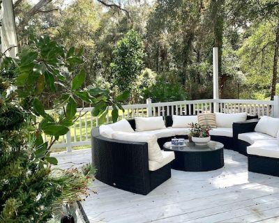Two Sisters Cottage Ocala 5 miles from WEC, 6 miles from HITS and much more - Ocala