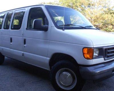 2003 Ford Econoline Wagon E-350 Super Duty XL