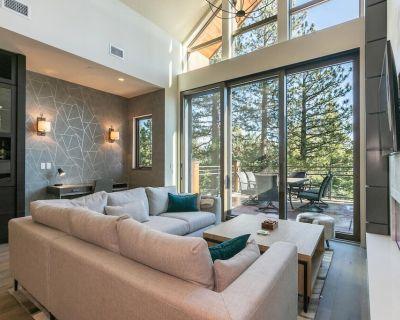Crystal Bay Penthouse 301 + Concierge Services - Incline Village