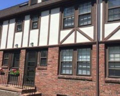 247 Washington St Unit 13 #Unit 13, Winchester, MA 01890 2 Bedroom House
