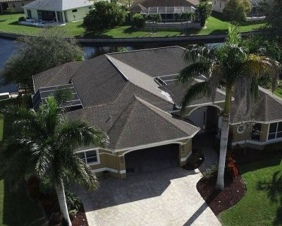 Luxurious Villa with Gulf Access and Heated Saltwater Pool - Pelican