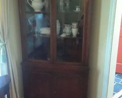 Estate Treasure Trove in Roswell with Traditional Bonanza
