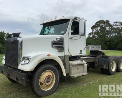 2013 Freightliner 6x4 T/A Day Cab Truck Tractor