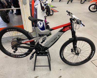 2021 Intense Cycles TAZER MX EXR L/XL E-Bikes Bellingham, WA