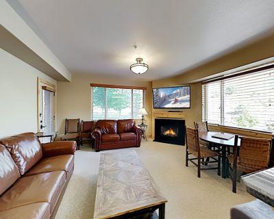Dual-suite at Silverado Lodge Pool, Hot Tub & Sauna Walk 3 Mins to Lifts - Park City