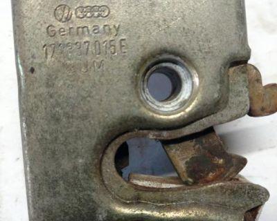Door latch lock 171837015 E