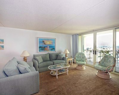 Cozy two Bedroom Condo, set With Calming Beach Themes in a Beautiful, Family Friendly, Ocean Front Building - North Ocean City
