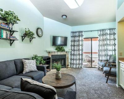 2 Bedroom 2 Bathroom Mesa Condo with Community Pool - East Mesa