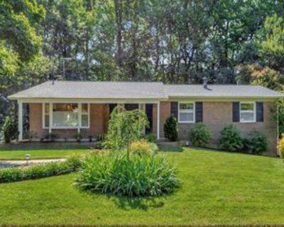 5010 Woodland Way #1, West Springfield, VA 22003 5 Bedroom Apartment