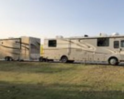 1999 Fleetwood Discovery-ATC Trailer & Toad