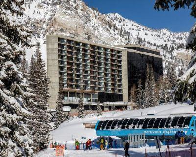 Snowbird Cliff Club Condo, Sleeps 10, WINTER HOLIDAY WEEK, Sat12/18 - 12/25/21 - Salt Lake Mountain Resorts