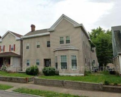 912 E Spring St, New Albany, IN 47150 3 Bedroom Condo