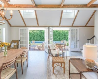 Just Renovated Sag Harbor Village 4 Bedroom With Pool + Jeep with Beach Pass! - Sag Harbor