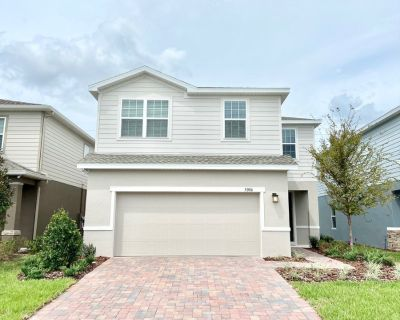 NEW CONSTRUCTION! Spacious 4 Bed/2.5 Bath with a loft located in Creekside at Boggy Creek!!!