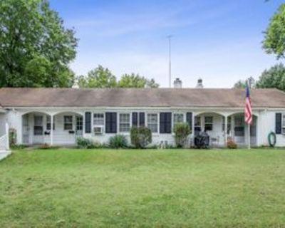 207 Columbia St, Augusta, KS 67010 1 Bedroom Apartment