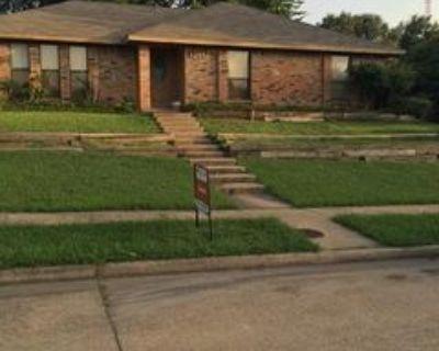 1215 N Slope, Carrollton, TX 75007 3 Bedroom House