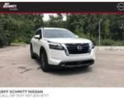 2022 Nissan Pathfinder White